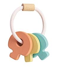 רעשן מפתחות מעץ פסטל   צעצועי התפתחות   רעשנים   צעצועי עץ   PLAN TOYS